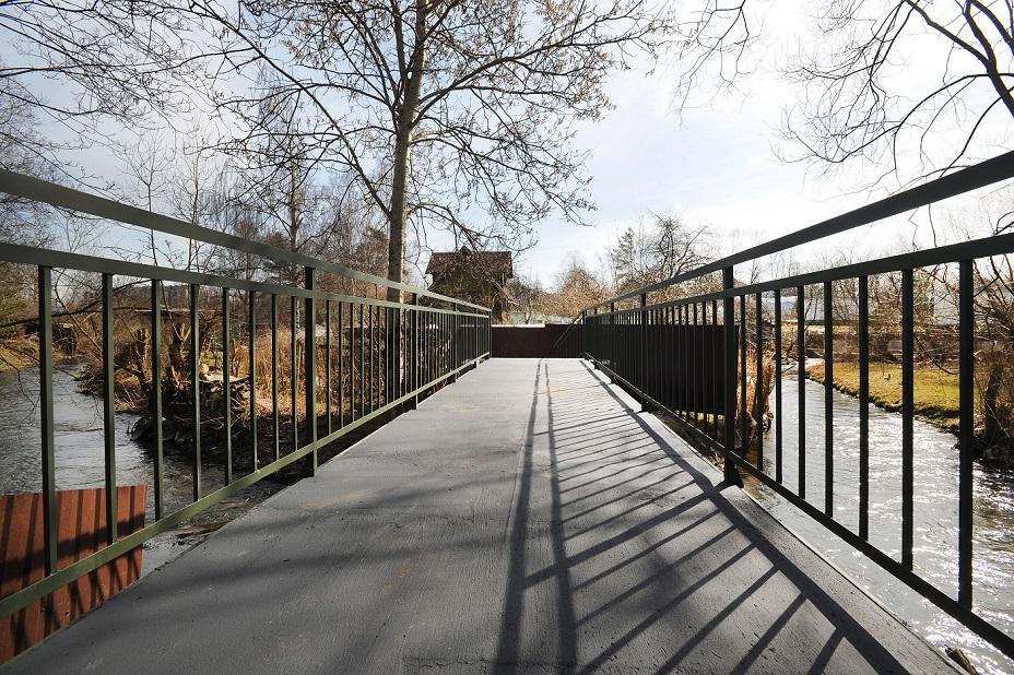 фото ЗакС политика В МО Горелово восстановили аварийный мост