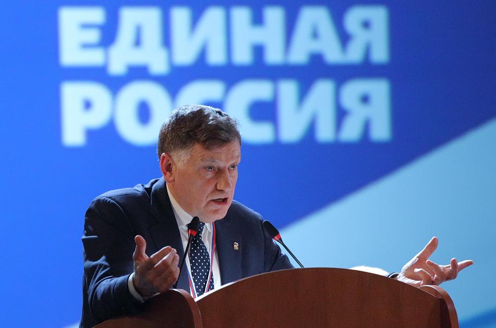 """фото ЗакС политика Макаров призвал единороссов вести себя """"по-божески"""" на муниципальных выборах"""
