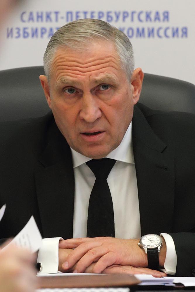 """фото ЗакС политика Кандидаты не могут найти ИКМО в """"Светлановском"""""""