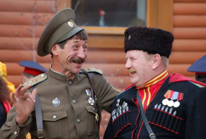 фото ЗакС политика В очереди в ИКМО «Московская застава» накалилась обстановка между казаками и самовыдвиженцами