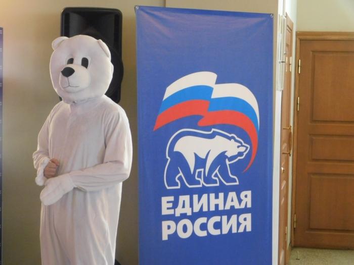 фото ЗакС политика Макаров бросил в бой своих кандидатов