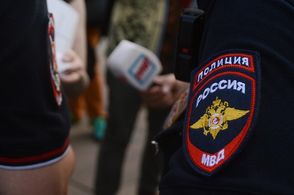 """фото ЗакС политика Кандидат штаба Навального вызвал полицию в ИКМО """"Звездное"""" из-за затянувшегося обеда"""