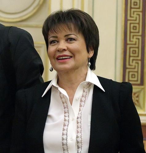 фото ЗакС политика Совершаева предложила открыть в Петербурге школу молодого политика